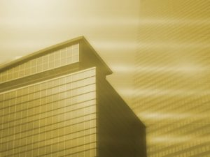 高層ビルのセピア