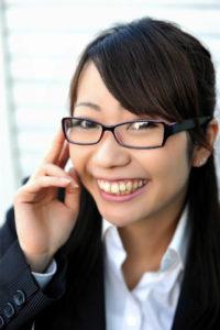 足成眼鏡スーツ女性